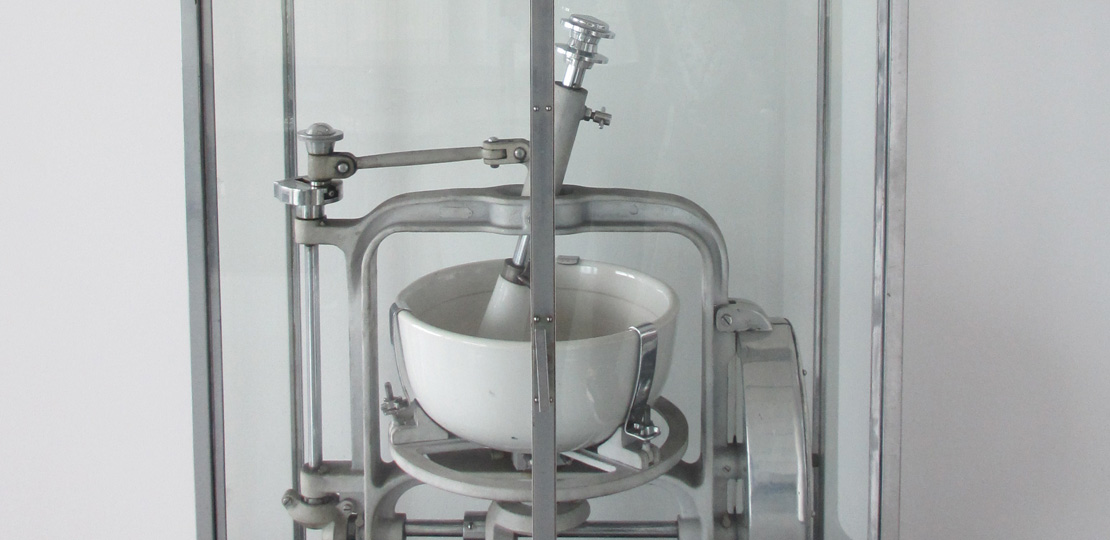 31179305 - pharmaceutical factory equipment mixing tank on production line in pharmacy industry manufacture factory